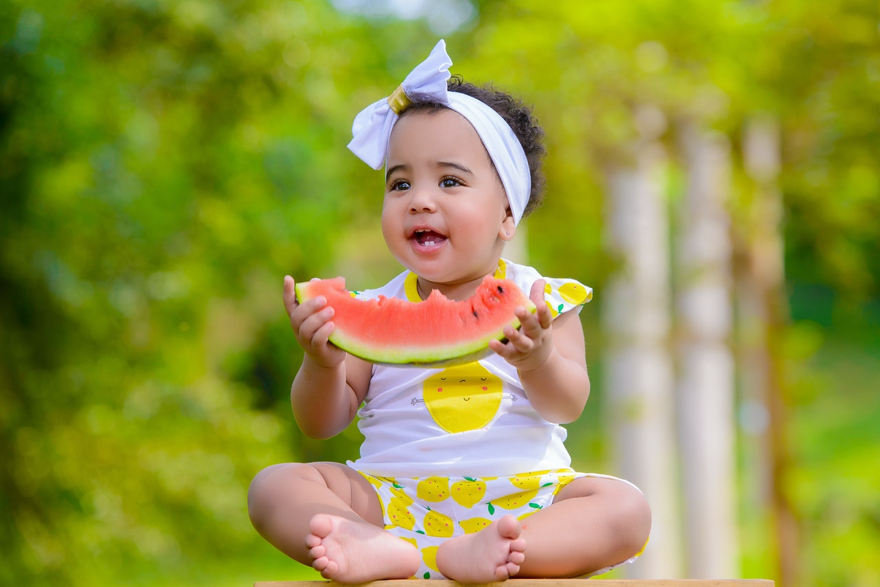 Introduce baby to fruits